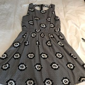 Black and white summer dress Large